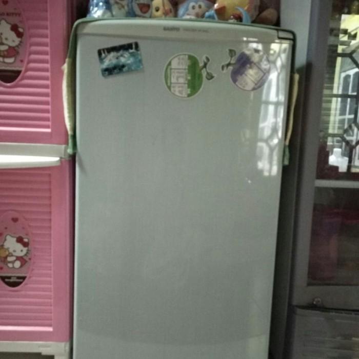 Freezer sanyo hf-s4LL