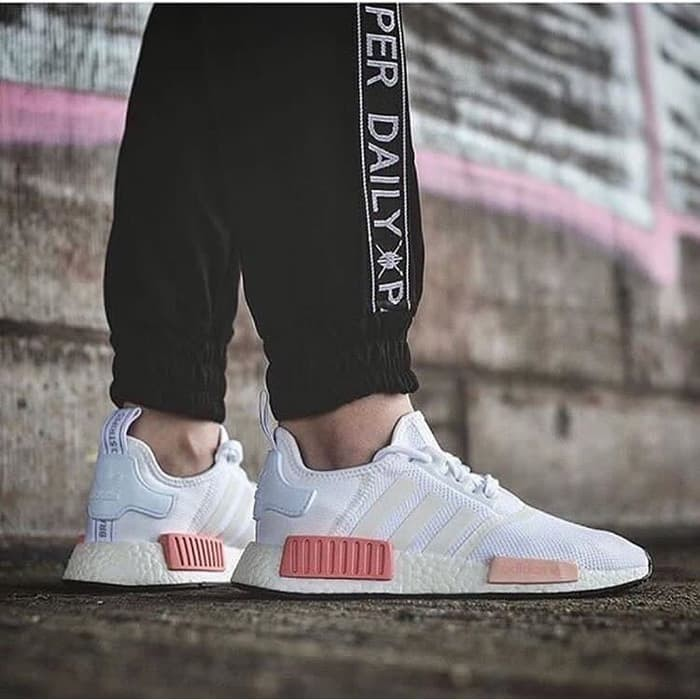 126e5bb8f Jual Sepatu Sneakers Adidas NMD R1 White Rose For Woman - We Have ID ...