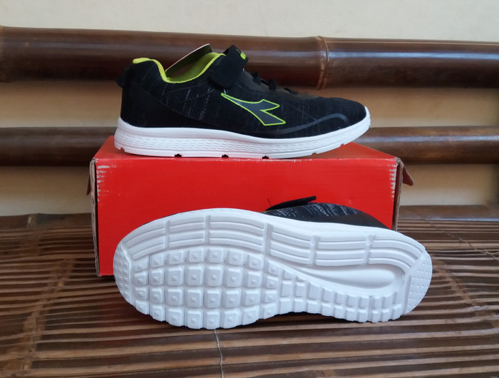 harga Sepatu anak diadora geremia jr (b) black original Tokopedia.com