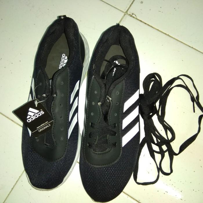 Foto Produk Sepatu Adidas Hitam dari Djaja.Shop