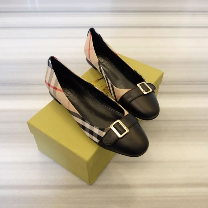 Jual BURBERRY flat shoes - Kota Batam