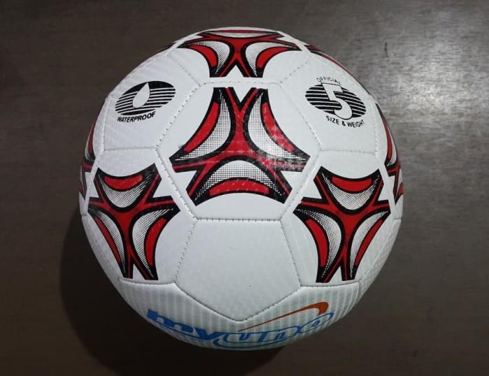 ... harga Bola kaki myuno size 5 bola sepak lapangan fifa sni bukan futsal  Tokopedia.com 44c9e05c9f016