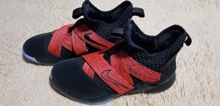 low priced 940ce d8b89 Jual Nike Lebron soldier XII black red - Hitam, US 9 - TokonyaAnwar    Tokopedia