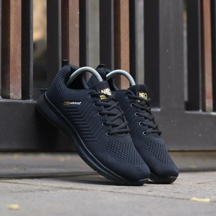 ... Sepatu Adidas Neo Import. Sepatu Pria. Sepatu Sport. Sneakers Adidas -  Hitam Putih ... f0120c6f34