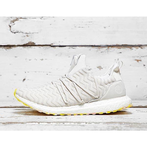 ede6a3777 Jual Sepatu adidas original x A Kind Of Guise Ultra Boost white ...