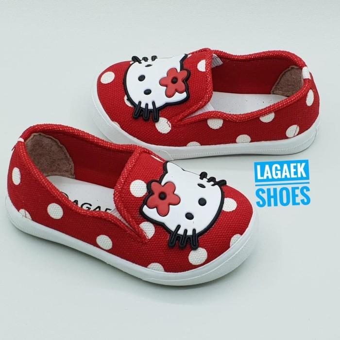 harga Sepatu anak cewek usia 1 2 3 4 tahun hello kitty polka merah - bke04 Tokopedia.com
