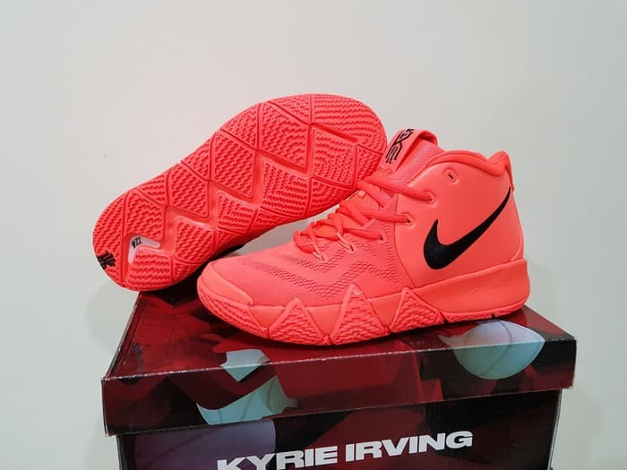 purchase cheap 93f32 6ae83 Jual Sepatu Basket Kyrie 4 Son Of Mars Solar Red Black Merah Hitam - Kota  Batam - Top Sneaker Store | Tokopedia