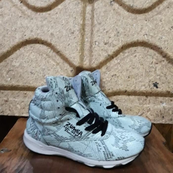 Sepatu Senam Wanita - Reebok Zumba Dance Style