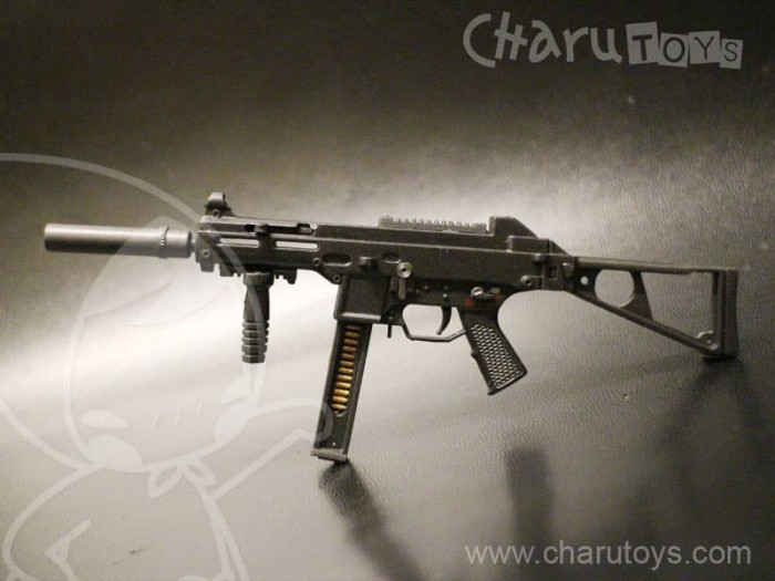 Foto Produk 1/6 Scale H&K UMP 45 with Removable Silence for Hot toys action figure dari Charu Toys