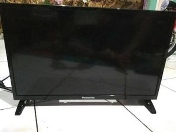 LED TV PANASONIC 22inch TYPE TH-22D305G dan Antena digi DISKON
