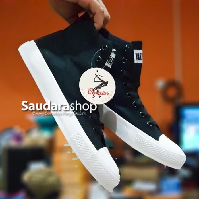 Foto Produk Sepatu Warrior Sparta HC black White / Warrior CT Black Black white HC - 37 dari Saudara Shop