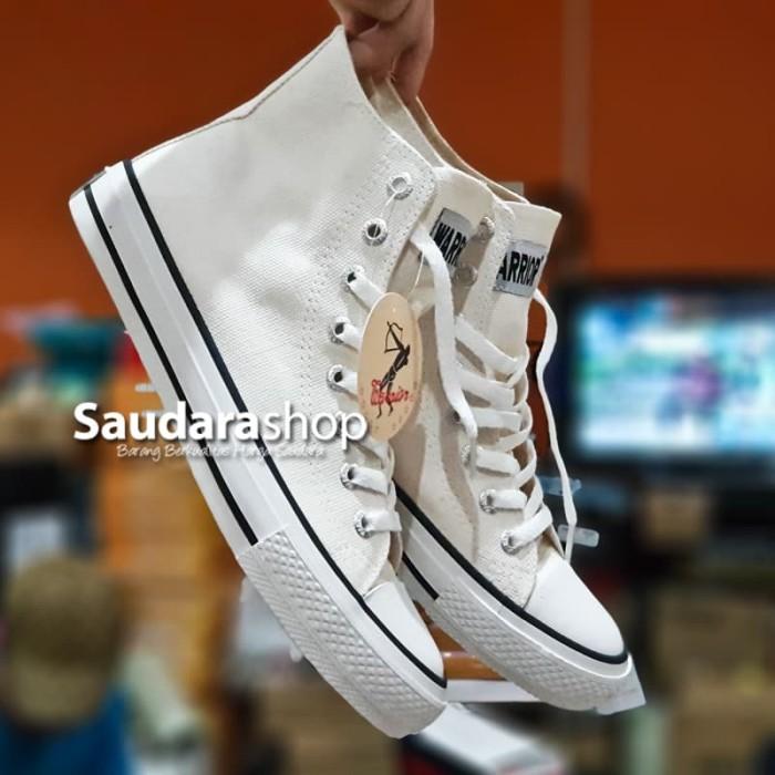Foto Produk Sepatu Warrior Sparta HC White / Sepatu Warrior Sparta Putih Tinggi - 37 dari Saudara Shop