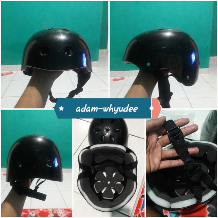 Foto Produk helm sepeda batok murah - Putih dari adam-whyudee
