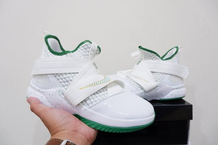 pretty nice d3f34 3ff8c Jual Sepatu Basket Lebron Soldier 12 SVSM White Green Putih Hijau - Kota  Batam - Elite Basketball Store | Tokopedia