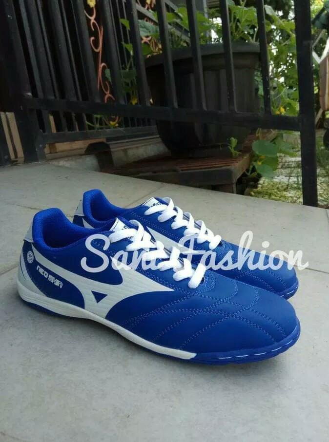 ... harga Sepatu futsal mizuno biru list putih murah eceran dan grosir  Tokopedia.com 82453f013f