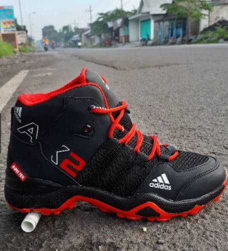 Jual Sepatu Adidas Ax 2 Boots Goretex Hight Grade Original Fashion
