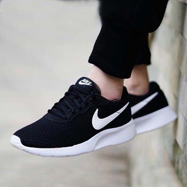 watch 32bb3 11bde Jual Nike Tanjun Black White Original Indonesia Sepatu Running Pria ...