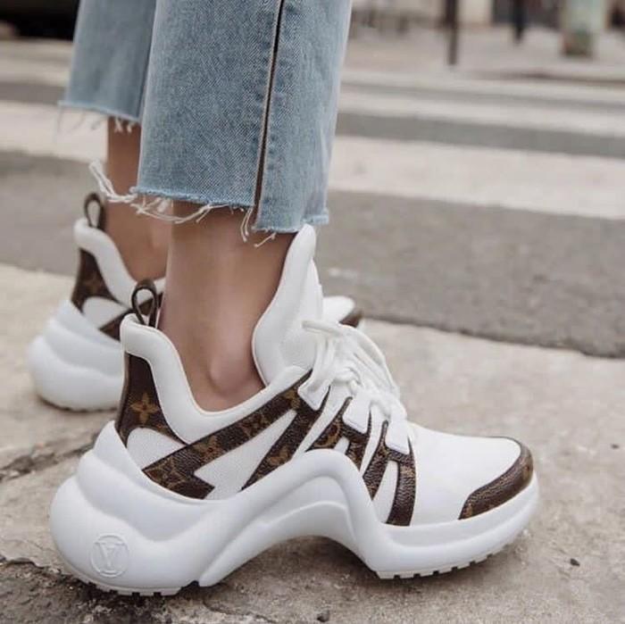 Jual promoo Louis Vuitton Archlight Sneakers Premium Original ... 73a0dab332