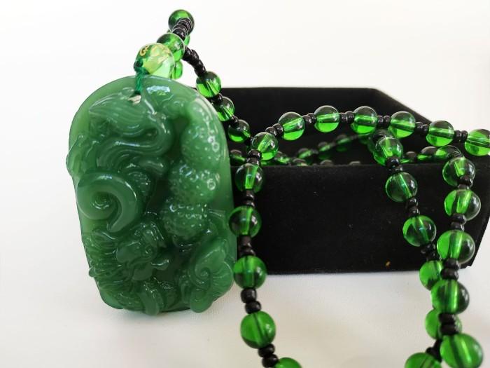 harga Vee kalung liontin batu giok hijau burma ukiran naga 3 Tokopedia.com