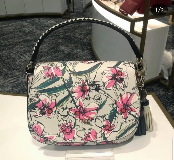 75afe564be39 Jual Tas sling bag guess original floral - Wulan Branded