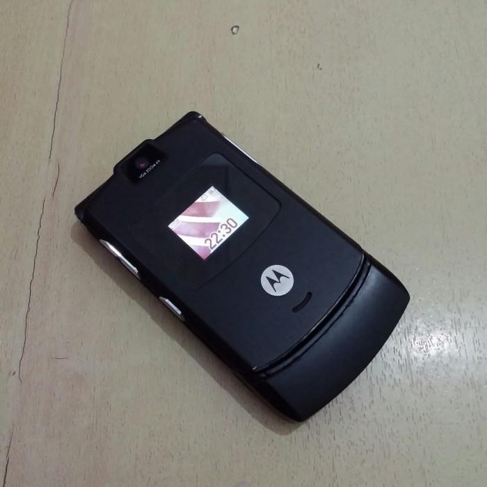 Foto Produk HP Motorola Razr V3 Black Normal Batangan dari Awaluddin