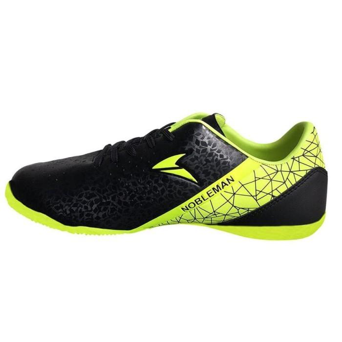 Jual Nobleman Sepatu Futsal Anak Fury Jr - Black - roxysportshop ... ee1b041e84