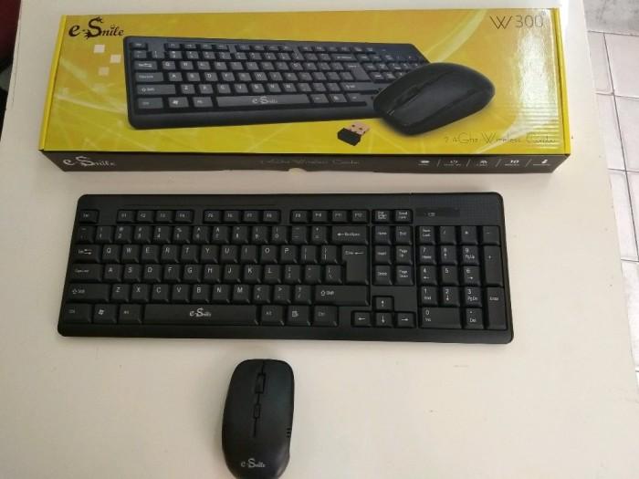 27b5c23e5d0 Mouse dan keyboard wireless W 300 di lapak Julia Roberts juliaroberts