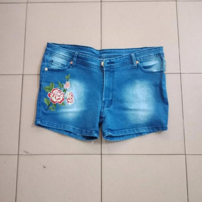 Info Model Hot Pants Travelbon.com