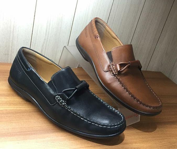 Jual Bsi Sepatu Pantofel Pria Hush Puppies Ori Murah   Sale Hush ... 9e94d3f9af