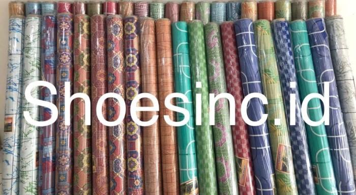 Foto Produk Jual Karpet Plastik Vinyl 1 ROLL (15 meter) Untuk Alas Meja dan Lantai dari shoesinc