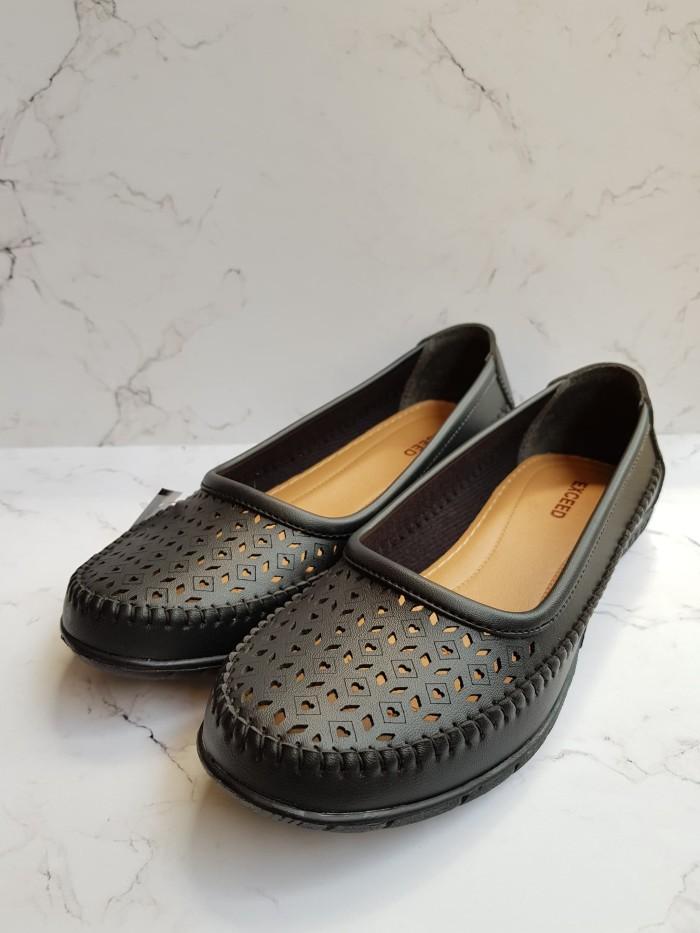 QQ 05 Hitam Fashion Sepatu Flat Shoes Wanita Terbaru Laser Black
