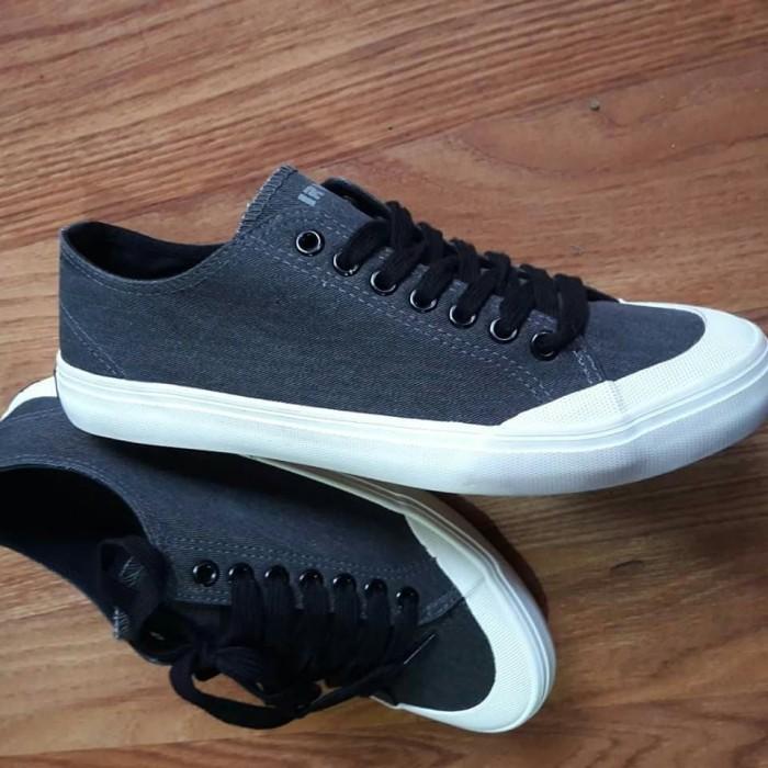 Jual sepatu casual sneakers airwalk clark original cek harga di ... 9f2d5ad6d2