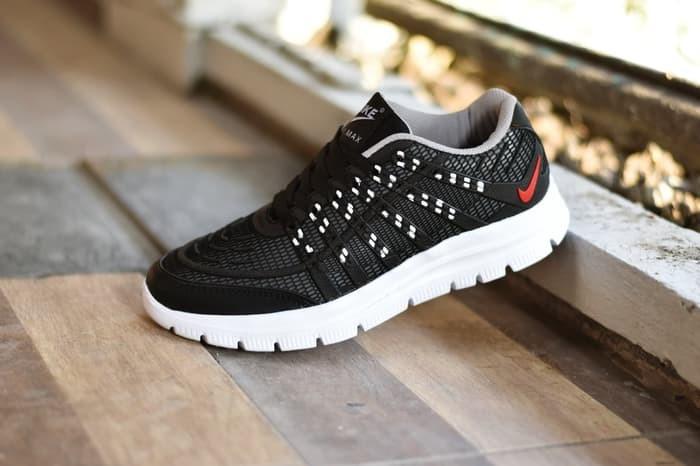 Jual Promo Sepatu Sport Running Pria Nike Airmax 3D Skin Hitam Putih ... 4186125d27