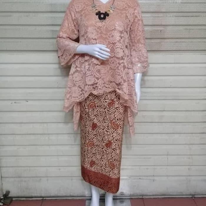 94 Gambar Baju Brokat Lengan Terompet Paling Hist Modelbaju Id