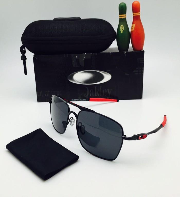 Jual Kacamata Oakley Deviation Polarized Sunglasses Pria - hitam ... 0853038b15