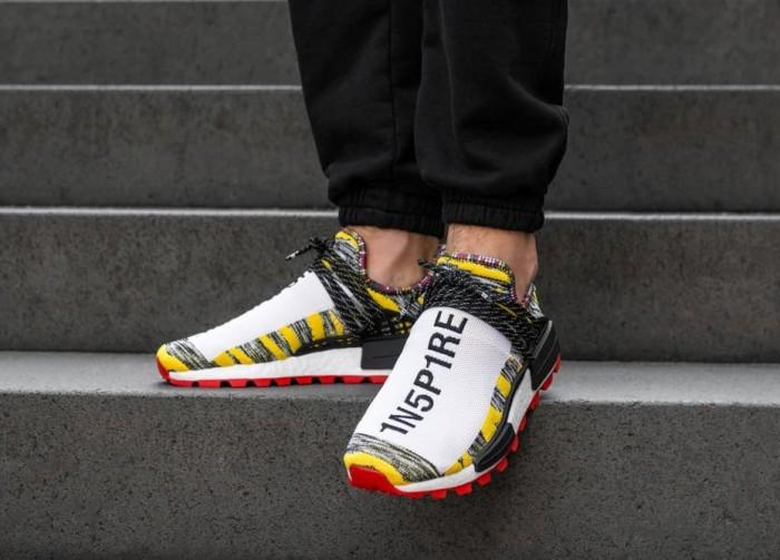 91b8b3fd37d2 Jual sepatu Adidas Originals x Pharrell Williams Afro Solar HU NMD ...