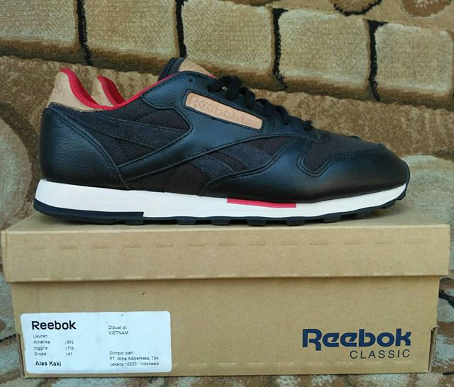 buy popular a2926 1bc87 Reebok Classic Leather Utility TXT Black Red