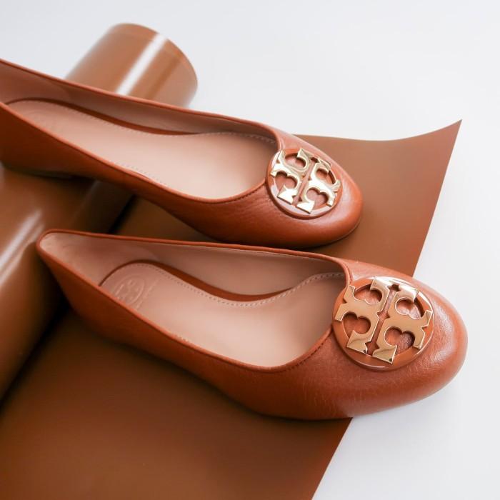 2f108513b7a Jual Sepatu Tory Burch Claire Ballet Tumbled Leather Royal Tan 43394 ...