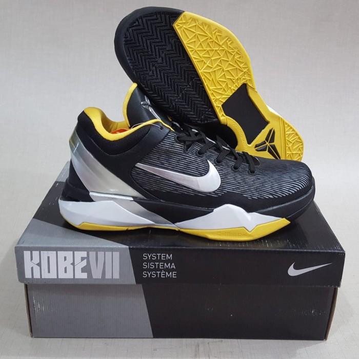 ea88d624b332 Jual Sepatu basketball kobe 7 attack fast black yellow ...