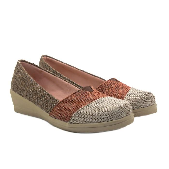 harga Mascotte c32 000 | sepatu wedges wanita - cokelat - cokelat 37 Tokopedia.com