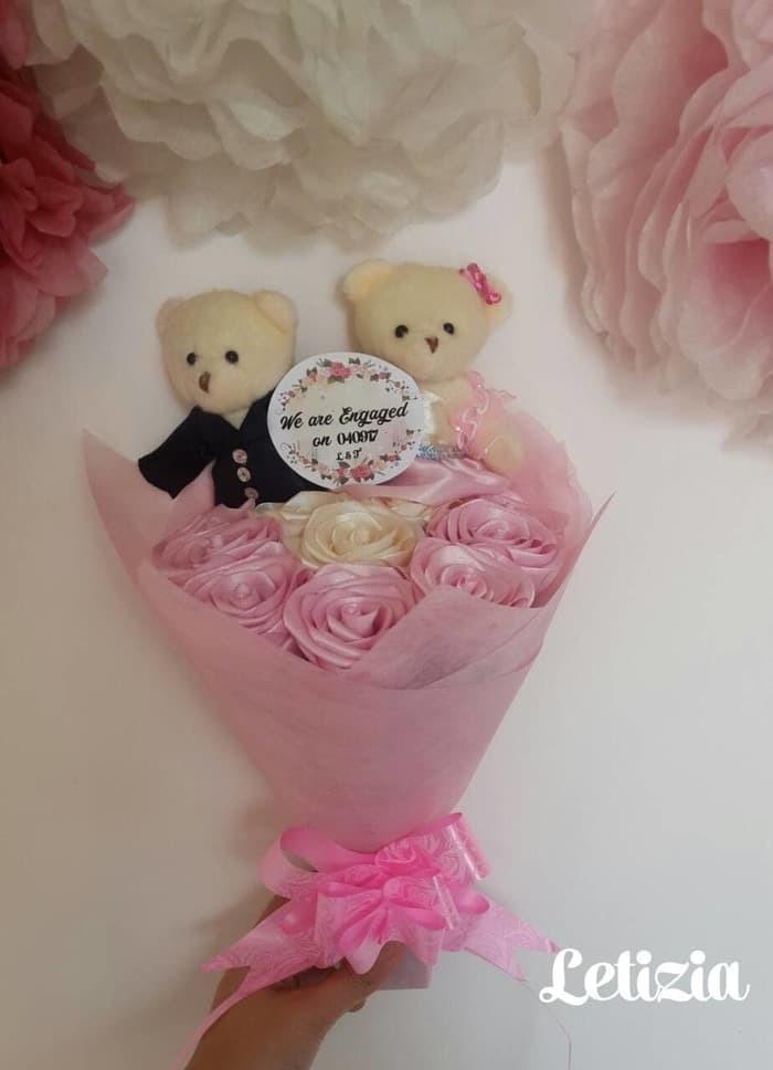 Jual Buket Bunga Boneka Pengantin Couple Buket Lamaran Wedding Gift Terla Jakarta Pusat Souvenir Bunga Tokopedia