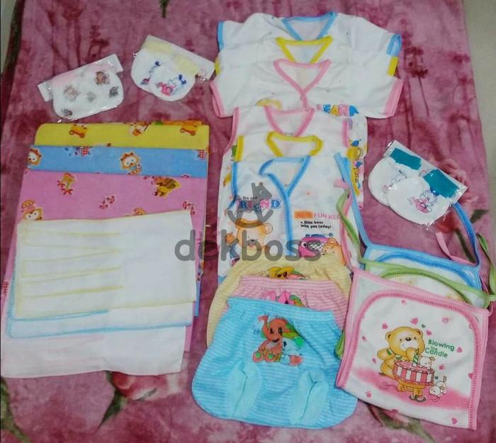 harga Paket perlengkapan baju bayi baru lahir isi 30 item pvi bedong popok