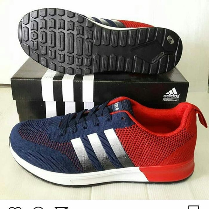 sepatu badminton adidas bukan yonex