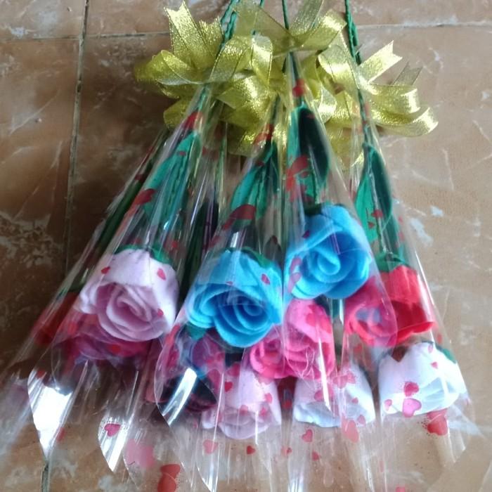 Katalog 1 Tangkai Bunga Mawar Travelbon.com