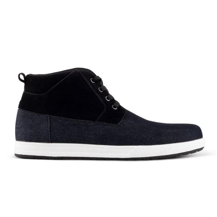 Sepatu Sneakers Pria Varka V 505 Sepatu Kets Boots Sepatu Santai - Hitam c9e3e481dd