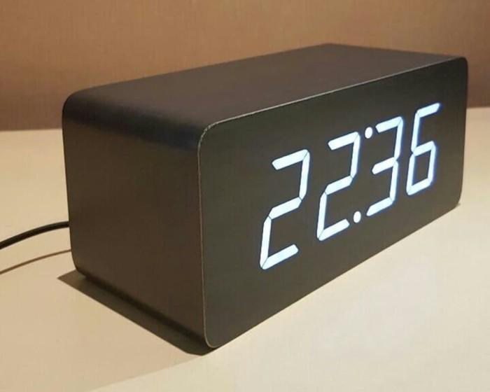 TURUN HARGA Jam Kayu Uk Besar Led Warna Putih Sensor Suara Alarm Cal 96b2b42e18