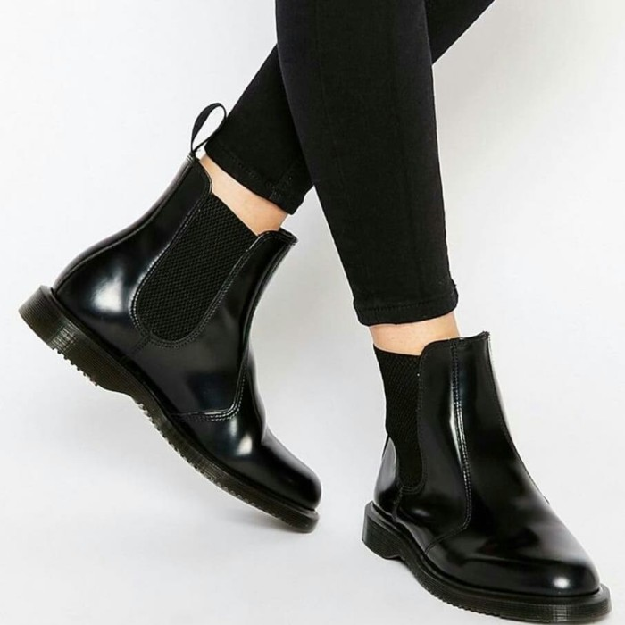 harga Sepatu kulit custom | sepatu kulit pria | chelsea boots hitam Tokopedia.com
