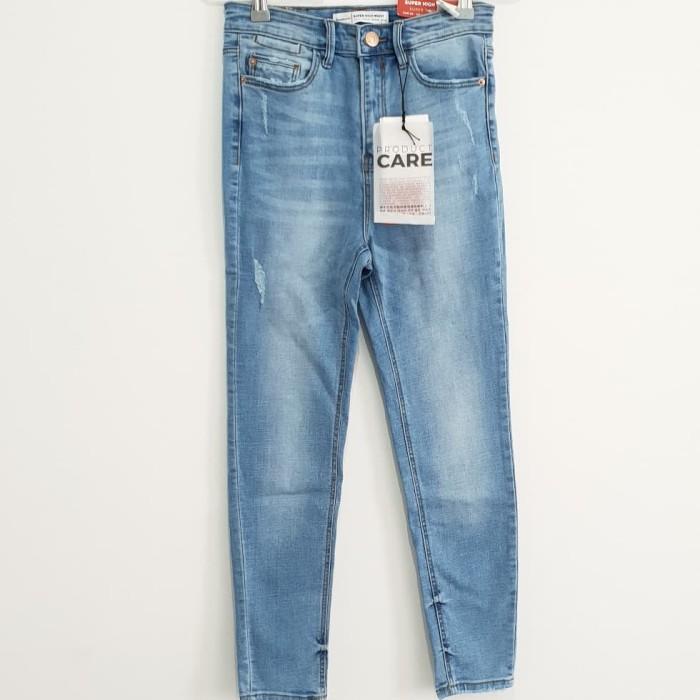 harga Celana jeans wanita denim stradivarius original not levis lee lee bape Tokopedia.com