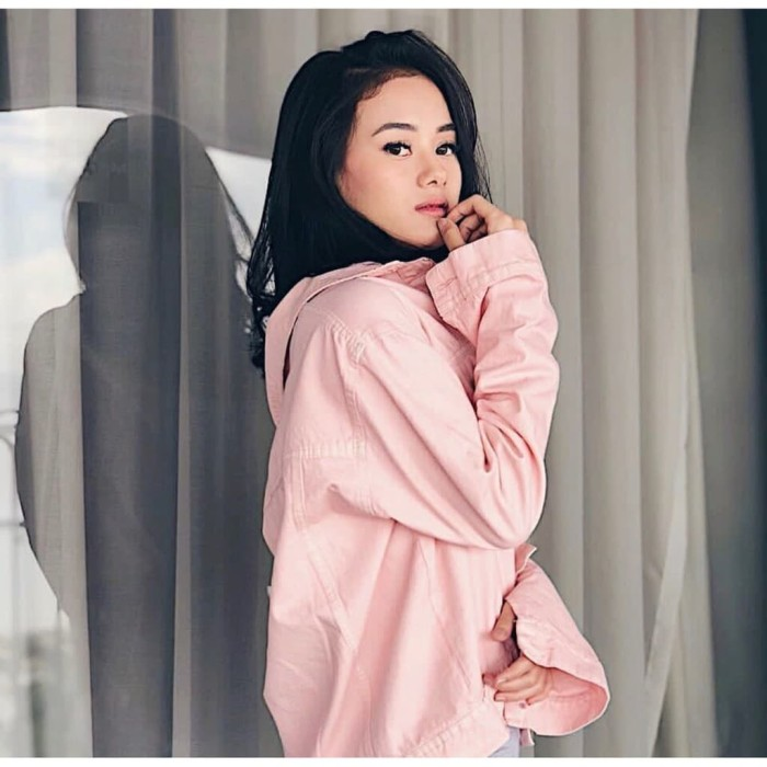 Jaket jeans wanita pink oversize denim terbaru