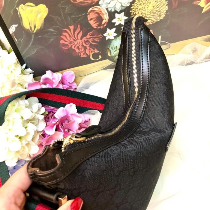 d817d68fd94d Jual Gucci Half Moon Canvas Sling Bag - DKI Jakarta - Toko Sribu ...